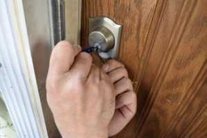 LOCK CHANGE & LOCKED OUT SERVICE